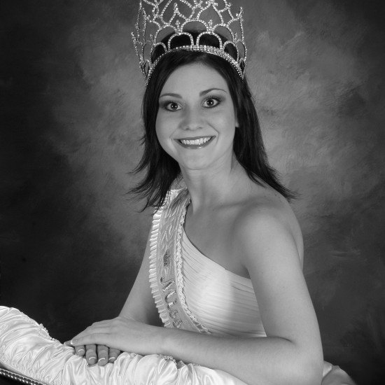 Ashley Moors Batson - Miss Buna 2006