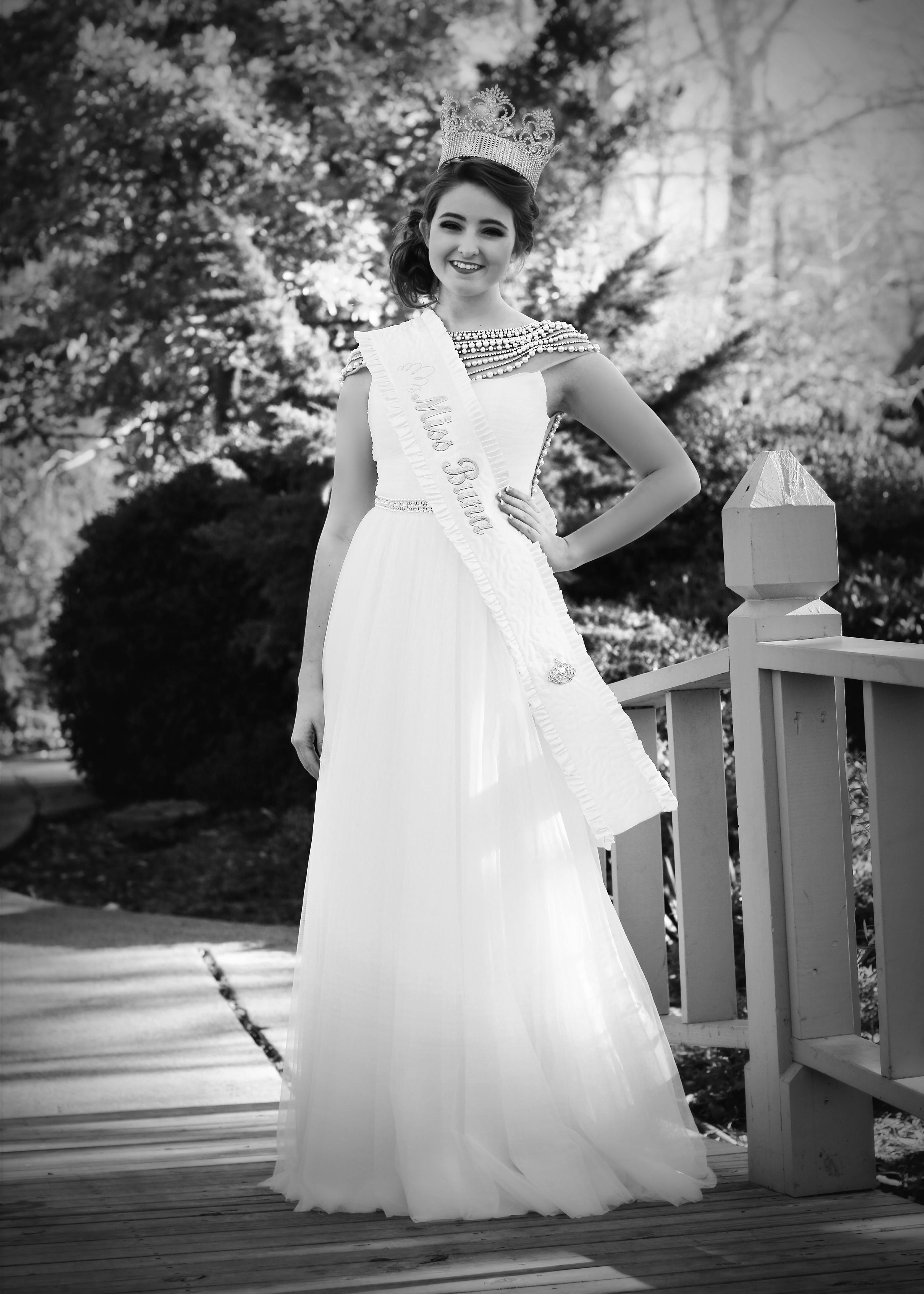Lauren Ward - Miss Buna 2015