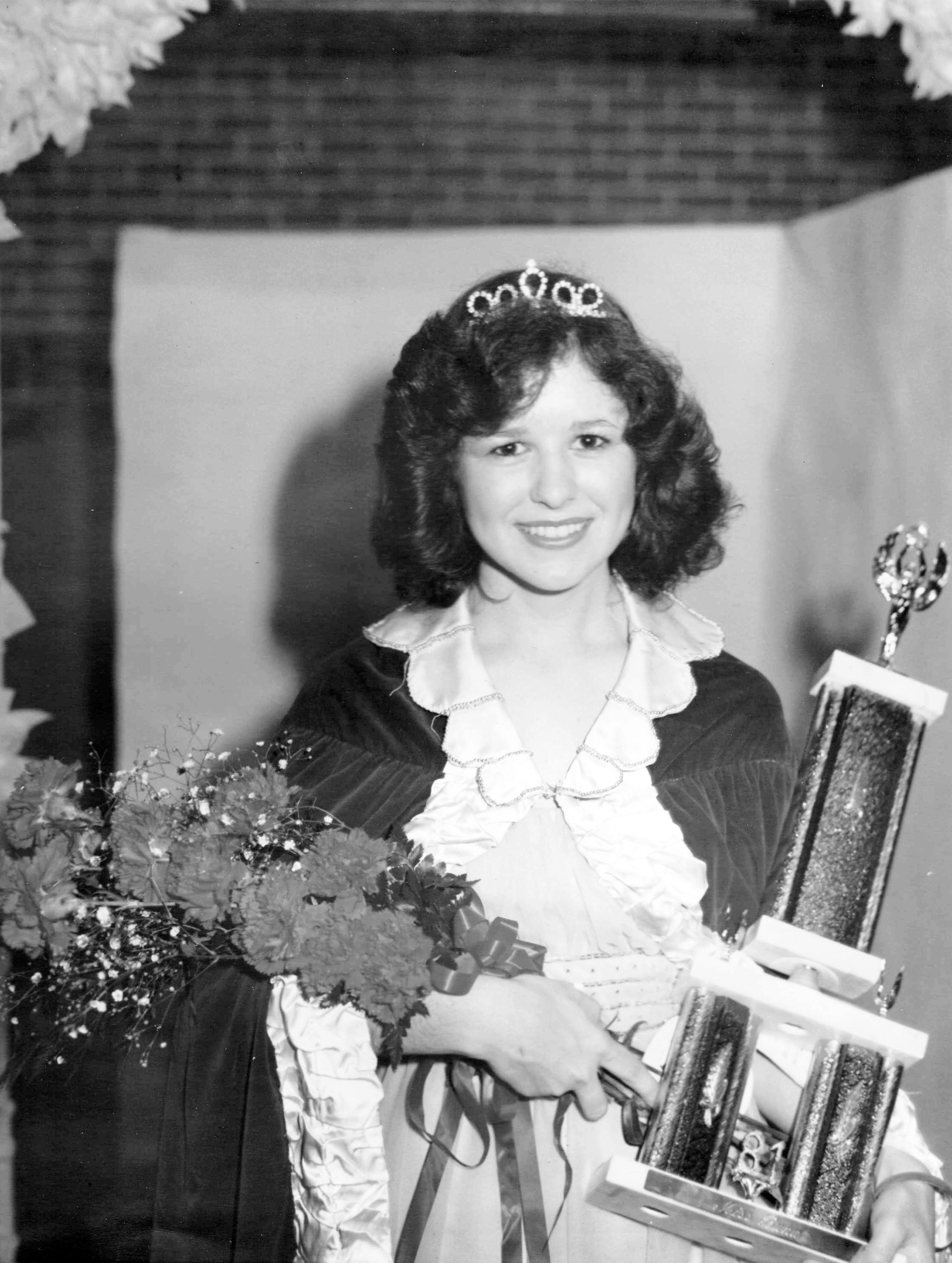 Sue Robertson - Miss Buna 1981