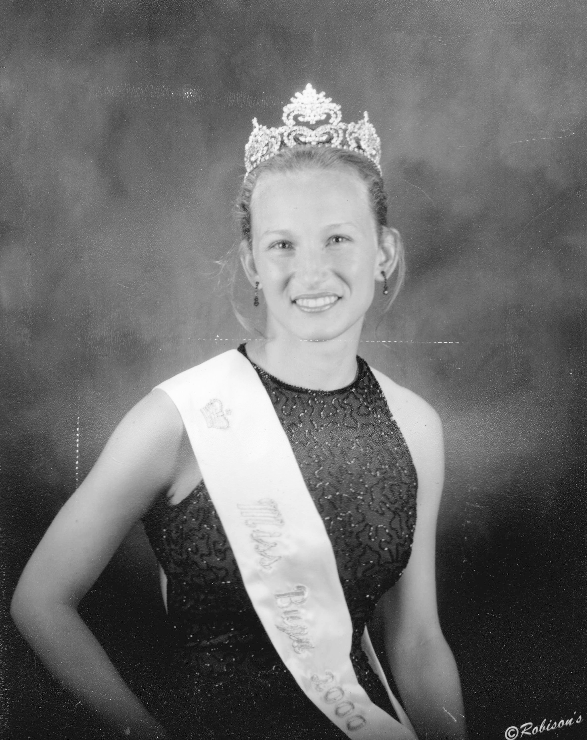 Stacy Sheppard Dewsbury - Miss Buna 2000