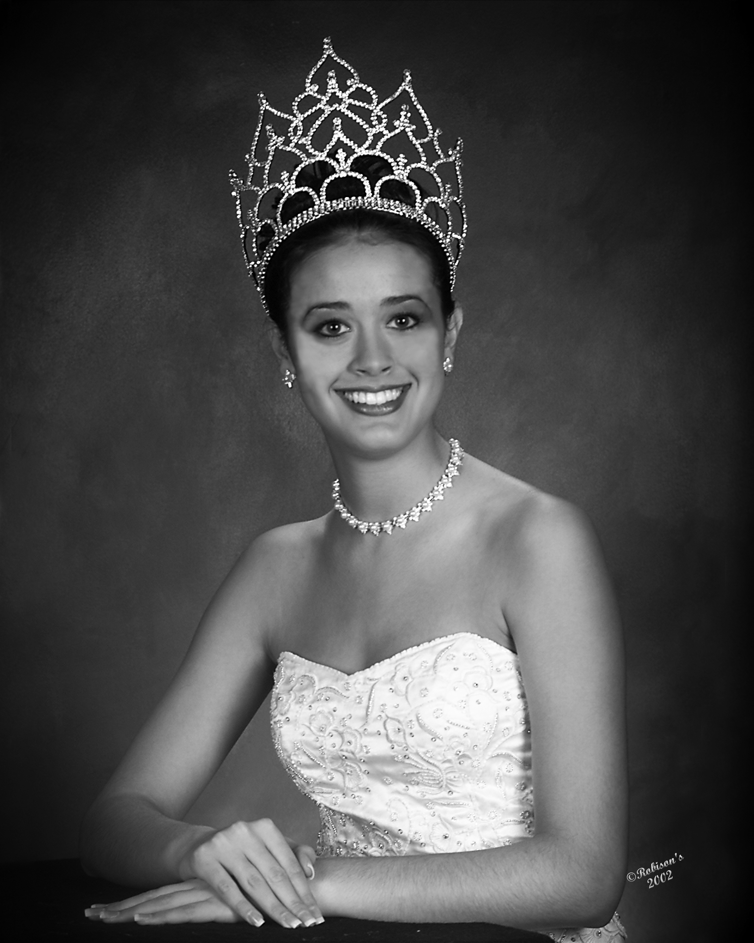 Katy Hicks - Miss Buna 2001